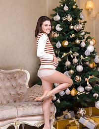 Serena Wood naked in erotic HINE gallery - MetArt.com