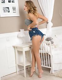 Aislin nude in erotic SUATA gallery - MetArt.com