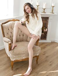 Madison bare in erotic ARANE gallery - MetArt.com