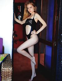 Shayla naked in erotic AIBRA gallery - MetArt.com