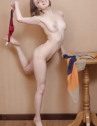 Erotic Cutie - Naturally Beautiful Unexperienced Nudes