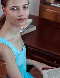 Jasmina nude in erotic SIMPLY CLASSIC gallery - MetArt.com