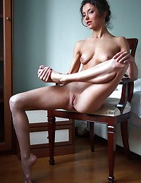 Erotic Stunner - Categorically Incomparable Layman Nudes
