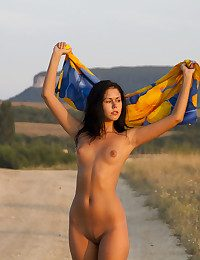 Erotic Hotty - Naturally Spectacular Inexperienced Nudes