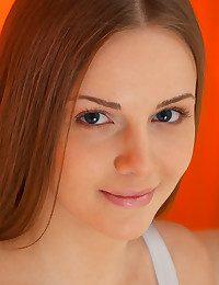 MetArt - Leanisa BY Catherine - PRESENTING LEANISA
