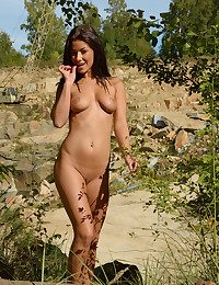 Glamour Beauty - Naturally Sumptuous Inexperienced Nudes