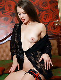 Julia Steel nude in erotic RONIA gallery - MetArt.com