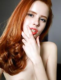 Bella Milano nude in erotic PRESENTING BELLA MILANO gallery - MetArt.com