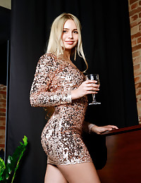 Candice Lauren nude in softcore LONEPE gallery - MetArt.com